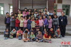 国务院:乡村教师收入应不低于同职级县镇教师